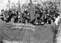 Bild: Revolutionäre 1.Mai-Demo 1996 in Berlin.