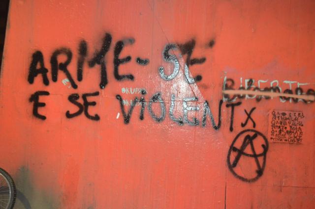 ARMATE Y SE VIOLENTX