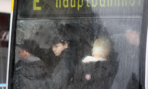 Wie Sardinen in der Dose: Nazis bei der Abreise