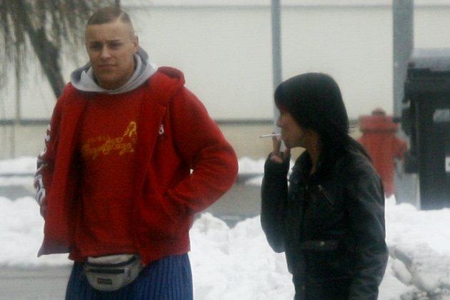 """Nazi-Hallenturnier am 21. Februar 2009 in Grimma: Benjamin Brinsa mit """"Thor Steinar""""-Gürteltasche. Foto: Archiv."""