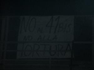 striscione no 41bis no alla tortura